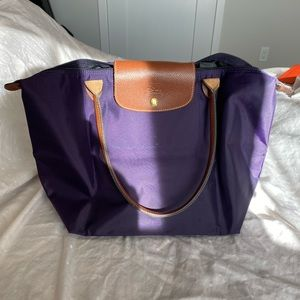 Large Longchamp Le Pilage Tote in Bilberry Purple